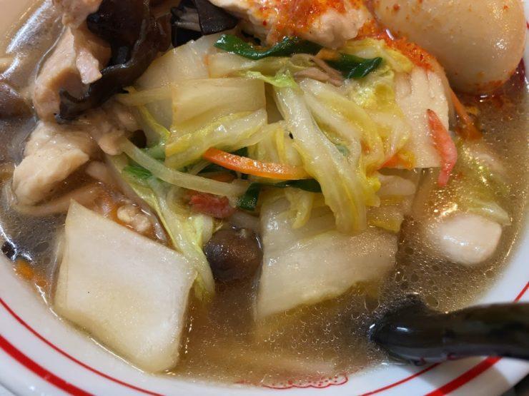蒙古タンメン中本品川店の鶏うま煮そば具材1