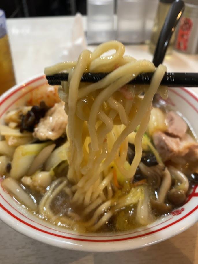 蒙古タンメン中本品川店の鶏うま煮そばリフト