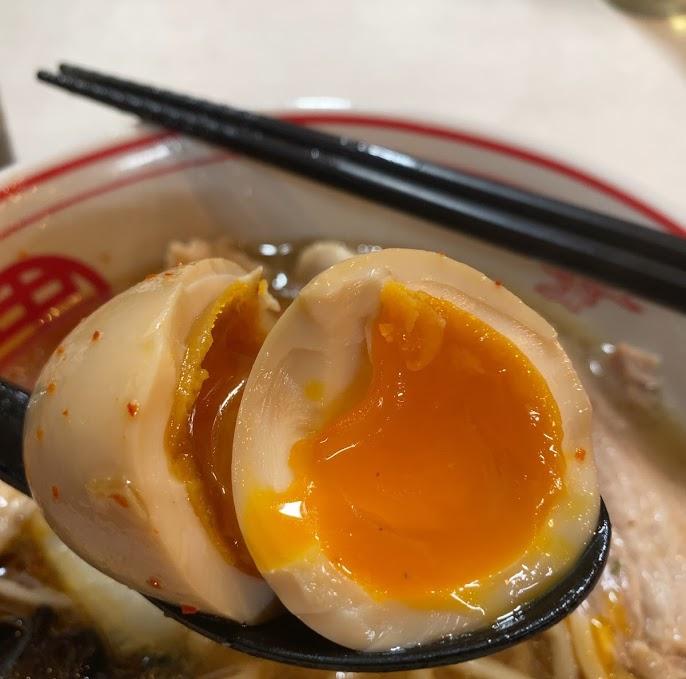 蒙古タンメン中本品川店の鶏うま煮そばの北極味玉