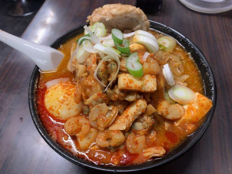 蒲田の荒木屋で限定メニューの愛海鮮五目麻婆麺と激ヤバチャーシュー4