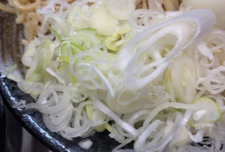 蒙古タンメン中本東池袋店で冷し肉醤麺のネギ