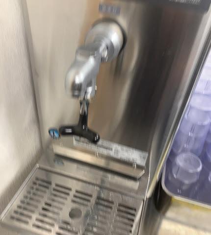ラーメン二郎越谷店給水器