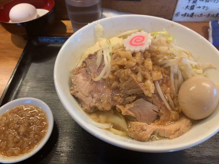松山の二郎系『豚麺アジト』の豚麺