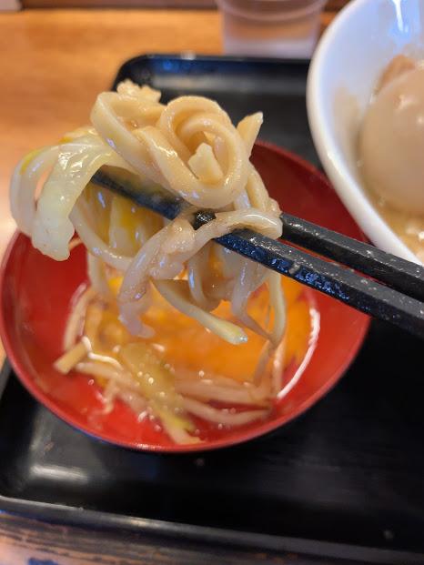 松山の二郎系『豚麺アジト』・すき焼き食い