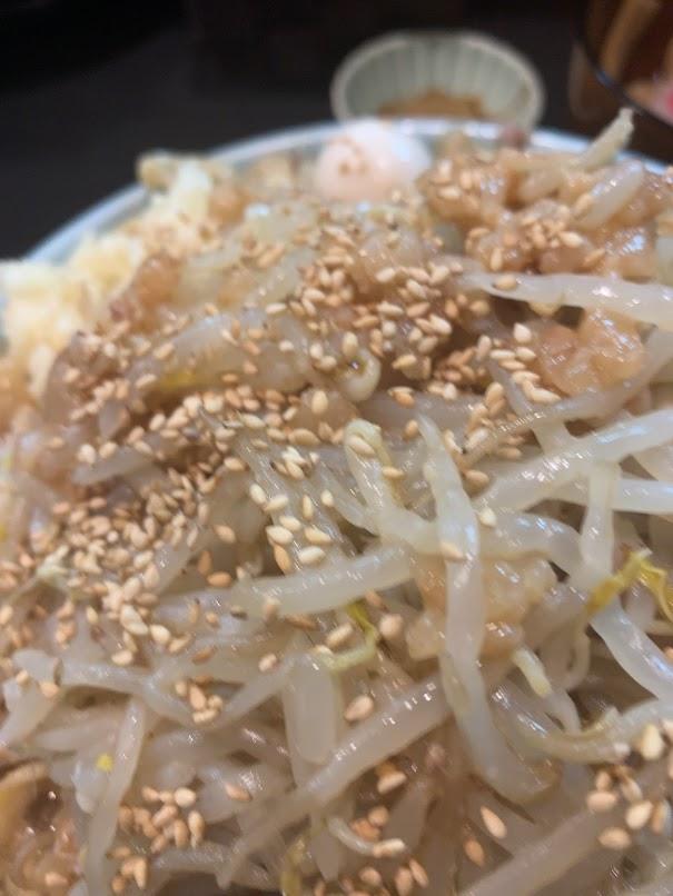 板橋・大山の自家製麺No11でラーメン-モヤシ