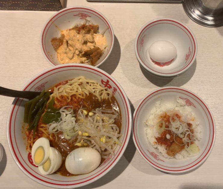 中本新宿で汁なしインドラーメン-セット