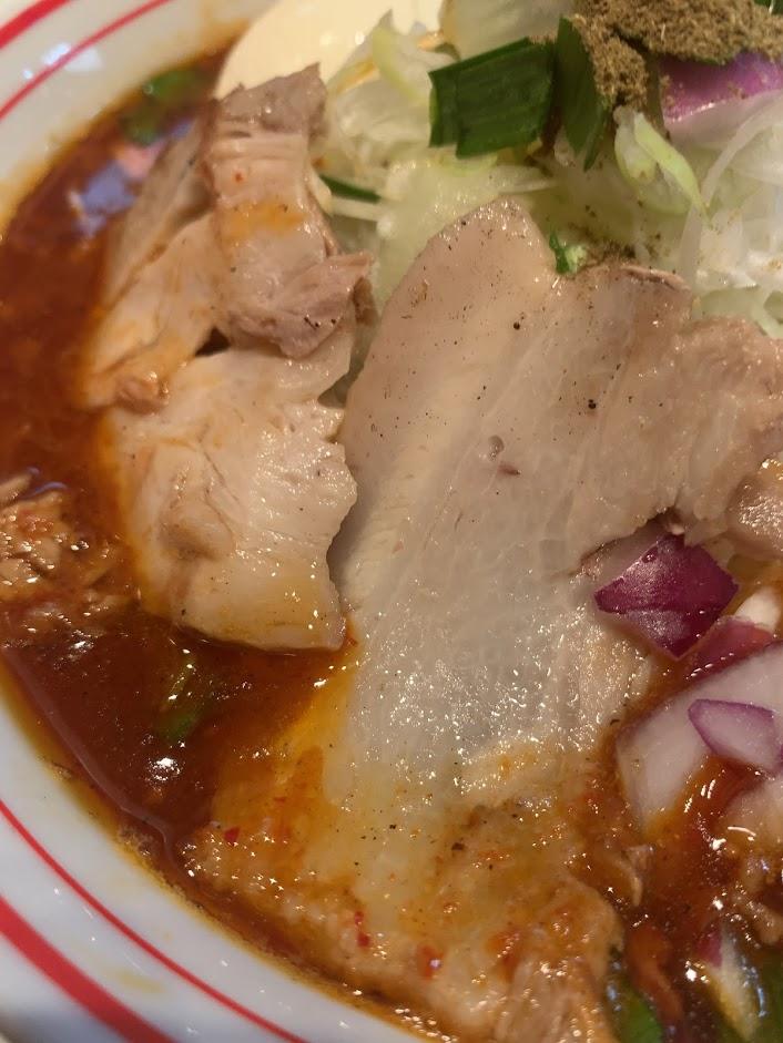 勝浦風トンタン麺(辛さ2倍)のチャーシュー
